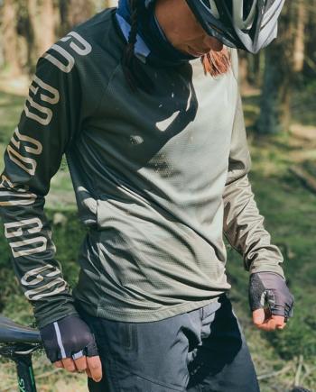 GHOGH-Long-sleeve-cykeltröja-tjej-front